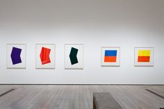 Ellsworth Kelly is having an LA moment. First his collection was used to inaugurate Matthew Marks' Los Angeles gallery opening and now his prints are be. Ellsworth Kelly, Contemporary Art Artists, Hard Edge Painting, Jack O Lantern Faces, Josef Albers, Batman Art, Art Model, People Photography, Art