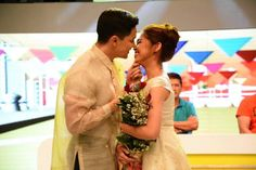 Check Out: First French Kiss of Alden Richards and Maine Mendoza! Maine Mendoza, Alden Richards, Bollywood Updates, International News, Pinoy, Love Story, Singer, Entertaining, Actresses