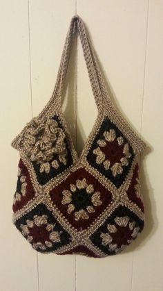 Crochet granny squares handbag |