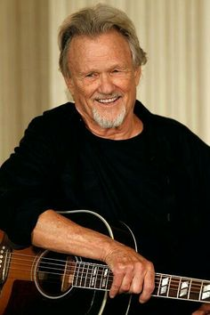 Who Served Kris Kristofferson Before becoming a country music singer and actor, he was a captain in the U.Kris Kristofferson Before becoming a country music singer and actor, he was a captain in the U. Old Country Music, Country Western Singers, Outlaw Country, Country Music Artists, Country Music Stars, Country Men, Country Musicians, Kris Kristofferson, Cool Countries