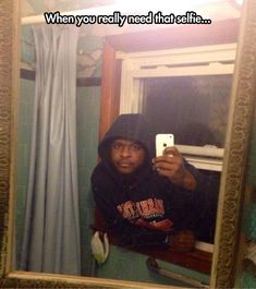 Funny pictures about Breaking in for a selfie. Oh, and cool pics about Breaking in for a selfie. Also, Breaking in for a selfie. Selfies Gone Wrong, Apps Für Android, Haha, Les Rides, I Love To Laugh, Guy Pictures, Upload Pictures, Laughing So Hard, Funny Images