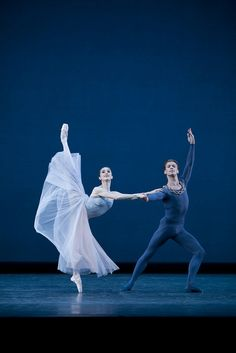 Marianela Núñez and Rupert Pennefather in Serenade © ROH / Johan Persson 2009 | Flickr – Condivisione di foto!