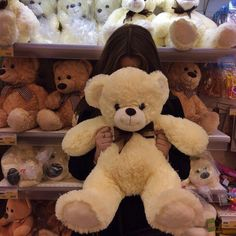 72 images about Teddy🐻Bears on We Heart It Sad Pictures, Girly Pictures, Friend Pictures, Most Beautiful Pictures, Girl Photo Poses, Girl Photography Poses, Tumblr Photography, Teenage Girl Photography, Photos Tumblr