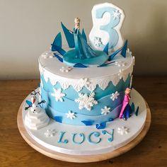 Elsa Birthday Cake, Party Planning, Birthday Ideas, Cakes, Desserts, Food, Kids, Tailgate Desserts, Deserts