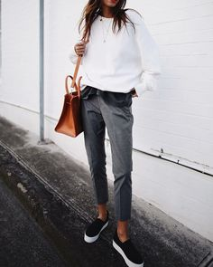 25 Marvelous Picture of Casual Outfits For Inspiration On Winter . Casual Outfits For Inspiration On Winter Casual Outfit Inspiration White Sweatshirt Bag Grey Pants Look Fashion, Autumn Fashion, Fashion Outfits, Fashion Pants, Dress Fashion, Men Fashion, Fashion Ideas, Trendy Fashion, Fashion Beauty