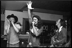 """Review of """"Sir Doug & The Genuine Cosmic Groove"""" about Doug Sahm (picture: Jerry Jeff Walker, Roky Erickson, and Doug Sahm, 1977 at Gemini's Club, Austin)"""