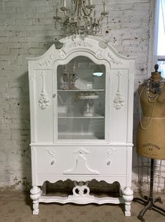 Painted Cottage Prairie Chic One of a Kind Vintage China Display Cabinet CC2005 Painted Cottage, Shabby Cottage, Glass Knobs, Glass Door, Vintage China, French Vintage, China Cabinet Display, Dovetail Drawers, Paris Apartments