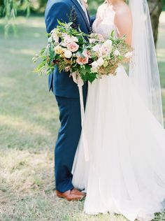 Whimsical rose wedding bouquet | Photography: Nicole Clarey - http://nicoleclareyphoto.com/