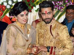 India all-rounder Cricketer Ravindra Jadeja, who got married in April last year, became father on June 8 as he and his wife Reeva Solanki were blessed with a Wedding News, Wedding Trends, Ravindra Jadeja, Pregnant Celebrities, Bollywood Wedding, Love Island, Getting Engaged, Celebrity Weddings, Cricket