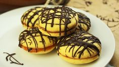 WATCH OUR VIDEO and try our recipe! Nero Cookies are extremely simple to make and are packed full of tasty apricot jam. Chocolate Dome, Melting Chocolate, Jam On, Vanilla Sugar, Most Popular Recipes, Food Videos, Recipe Videos, Tray Bakes, Cookie Recipes