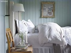 decordemon: A Swedish cottage in delightful colors Scandinavian Cottage, Swedish Cottage, Swedish Decor, Cottage Style, Swedish Style, Cozy Cottage, Scandi Style, Cottage House, Cottage Ideas