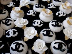 Chanel Cup Cakes