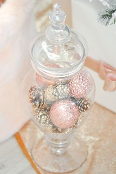 nice 44 Gorgeous Pink and Gold Christmas Decoration Ideas  https://homedecorish.com/2017/11/06/44-gorgeous-pink-and-gold-christmas-decoration-ideas/