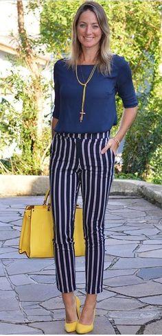 Look de trabalho - look do dia - look corporativo - moda no trabalho - work outfit - office outfit -  spring outfit - look executiva - look de verão  - summer outfit - calça azul listrada - navy - bolsa amarela - Scarpin nude - Yellow - blue