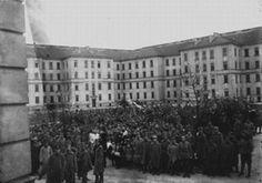 Singurele imagini de la Marea Unire din 1918, făcute de fotograful Samoilă Mârza | Istorie Street View, Building, Travel, Viajes, Buildings, Destinations, Traveling, Trips, Construction