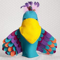 Awesome tutorial for felt parrot - free pattern