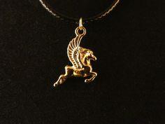 Pferd mit Flügeln Anhänger mit Kette 24 Karat Vergoldet Pferd Fliegen Gold