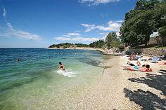 Víkendové kúpanie v Chorvátsku, Chorvátsko - dovolenka a zájazdy do tohto hotelu | Zájazdy.sk Mercedes Benz, Beach, Water, Outdoor, Water Water, Outdoors, Aqua, Outdoor Games, Outdoor Life