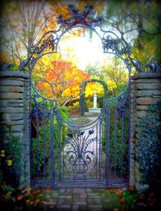 The Impatient Gardener: FEATURE FRIDAY: GREAT GATES