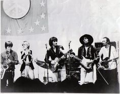 Bobby Keys on sax, Bonnie & Delaney Bramlett, Jimi, and on the far right.... Carl Radle layin' the groove with his Sunburst P Bass.