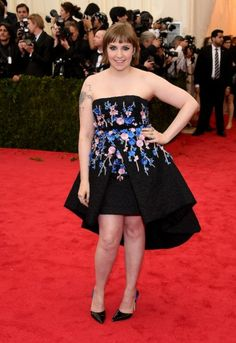 Lena Dunham in Giambattista Valli Couture
