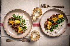 Kókusztejes-lencsés dahl sült karfiollal és rizzsel recept | Street Kitchen Green Kitchen, Dahl, Gnocchi, Tofu, Guacamole, Tapas, Curry, Beef, Vegan