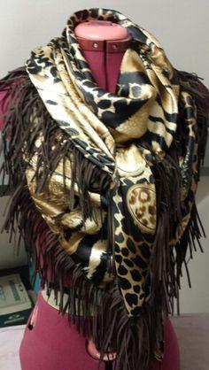 Satijnen sjaal, suède franje