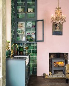 Pink, green and blue may not be the most obvious colour scheme, but in our new London showroom it really does work. It's been so wonderful to see people's reactions as they enter this space, there's so much to discover and there's an incredible atmosphere that you just can't convey through photographs, as beautiful as they are. So if you do get a chance, we would love you to pop in and have a look around. We are on the corner of St. John's Square in Clerkenwell and are open Monday to Friday…