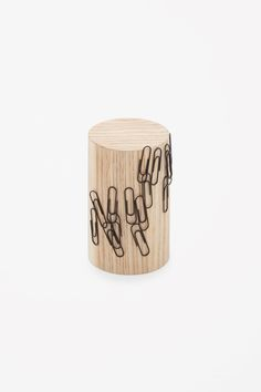 COS | Magnetic paperclip holder
