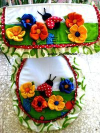 Pin on toilet oortreksels Sewing Crafts, Sewing Projects, Projects To Try, Diy Y Manualidades, Bathroom Organisation, Silk Ribbon Embroidery, Bathroom Art, Soft Furnishings, Pattern Making