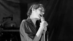 """Camille x Pascal Comelade : """"Piscine"""" Live au Théâtre de l'Archipel (Per..."""