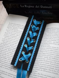 GOTH dark glamour ✤ :: Gothic Corset Bookmark With Dark Turquoise Satin Ribbon Cute Crafts, Crafts To Do, Book Crafts, Paper Crafts, Craft Projects, Projects To Try, Diy Bookmarks, Gothic Corset, Gothic Jewelry