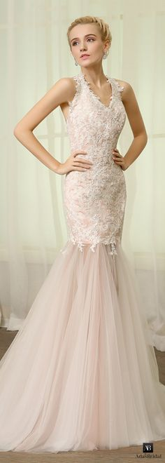 Elegant tulle halter neckline mermaid wedding dresses with lace appliques(WWD14951)