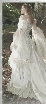 irish wedding dress traditional   Wedding Gown & Bridal Gown: Medieval (Celtic/Irish) Wedding Dress..