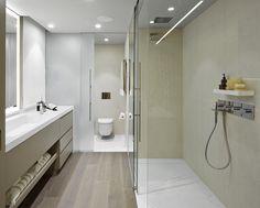 Molins Interiors // arquitectura interior - interiorismo - decoración - dormitorio - suite - principal - baño - porcelánico - parquet - pavimento - ducha - mampara - vidrio