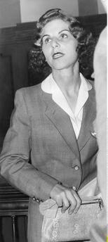 """Kübler, Stella (or Stella Isaackson). geb. Goldschlag, called the """"catcher""""; Jewish collaborator (denounced underground Jews on behalf of the Gestapo during World War Two); 10.7.1922 – 1994. Trial in Berlin, 1957: Stella Kübler-Isaackson in the court room."""