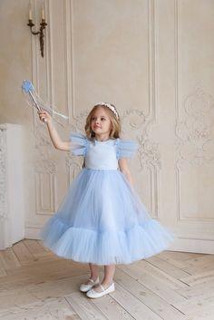 White Flower Girl Dresses, Girls Dresses, White Dress, Buy Dress, Dress Up, Dress Girl, Hair Wreaths, Floral Hair, Dress Picture