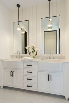 Bathroom decor for the master bathroom remodel. Discover master bathroom organization, bathroom decor tips, master bathroom tile a few ideas, master bathroom paint colors, and much more. Bad Inspiration, Bathroom Inspiration, Bathroom Inspo, Mirror Inspiration, Furniture Inspiration, Bathroom Renos, Bathroom Renovations, Design Bathroom, Bath Design