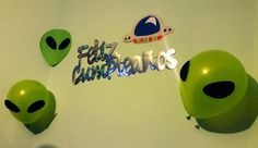 Decoration with Aliens for Space Birthday