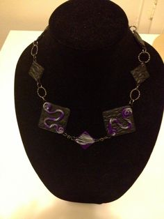 Another purple chunky necklace
