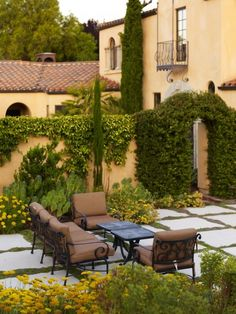 Tuscan Patio Nice Backyard stone pavers #CourtYard #Landscape #Outdoor  ༺༺  ❤ ℭƘ ༻༻  IrvineHomeBlog.com