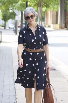 Style at a Certain Age Older Women Fashion, 60 Fashion, Over 50 Womens Fashion, Fashion Over 50, Chic Over 50, Casual Chic, Ideias Fashion, Casual Outfits, Shirt Dress