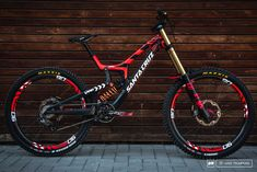 Sometimes people taking part in specific disciplines of cycling will purchase a specialized mtb, developed for the discipline. While cross-country, freerider and enduro are the most common discipli… Dh Velo, Freeride Mtb, Mt Bike, Road Bike, Montain Bike, Downhill Bike, Bike Shoes, Bike Seat, Cycling Bikes