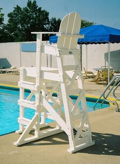 Tailwind Furniture Recycled Plastic Tall Lifeguard Chair With Side Steps