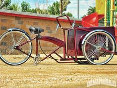 anyone know where to find parts to make an ice cream bike like this? I want to do one with a beach cruiser frame but wasnt sure where to find the cooler. Cool Bicycles, Cool Bikes, Bike Cart, Tricycle Bike, Lowrider Bicycle, Powered Bicycle, Dropped Trucks, Motorcycle Battery, Motorised Bike
