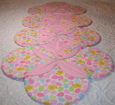 Easter Quilt Runner Table Topper Centerpiece  Chicks #ETSY #quiltsyteam @KeriQuilts