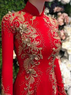 Vietnamese Wedding Dress, Vietnamese Dress, Hijab Evening Dress, Evening Dresses, Ao Dai, Vintage Girls Dresses, Latest African Fashion Dresses, Mannequins, Traditional Dresses