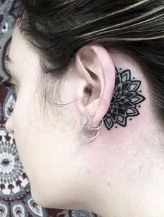 ear-tattoo-behind-henna