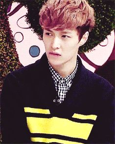 YOU'RE KILLING ME WITH THAT LIP BITE LAY!!!! (gif) #exo #lay #yixing