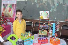 Resultado de imagen para niños vendiendo emprendedores Lily Pulitzer, Fashion, Children Pictures, School, Moda, Fashion Styles, Fashion Illustrations, Fashion Models